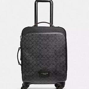 NWT COACH  SPINNER CARRY-ON BLACK SIGNATURE CANVAS
